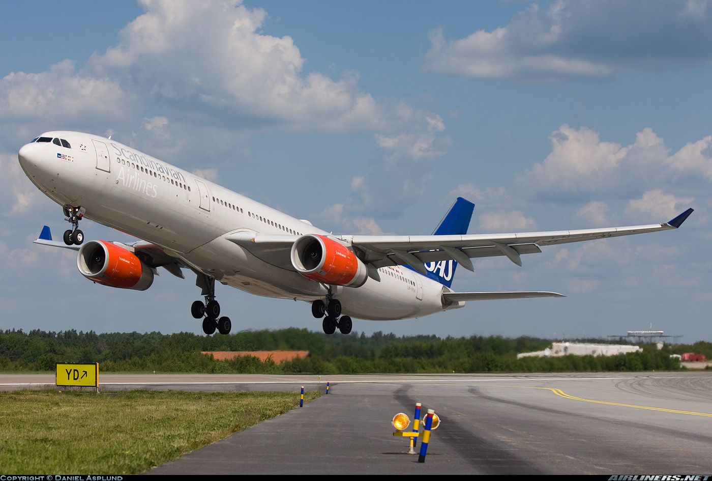 Photos Airbus A330 343 Aircraft Pictures Airliners Net Airbus Scandinavian Airlines System Aviation