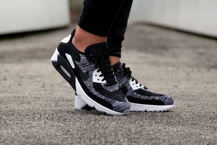 more photos fd877 8fa7f Nike Air Max 90 Ultra 2.0 Flyknit oreo shoes using seamless film technology  and Flyknit weaving process, the upper is more light and breathable, ...