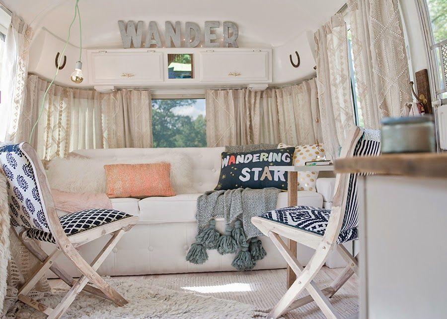 une caravane r tro r nov e caravane tente roulotte et tentes. Black Bedroom Furniture Sets. Home Design Ideas