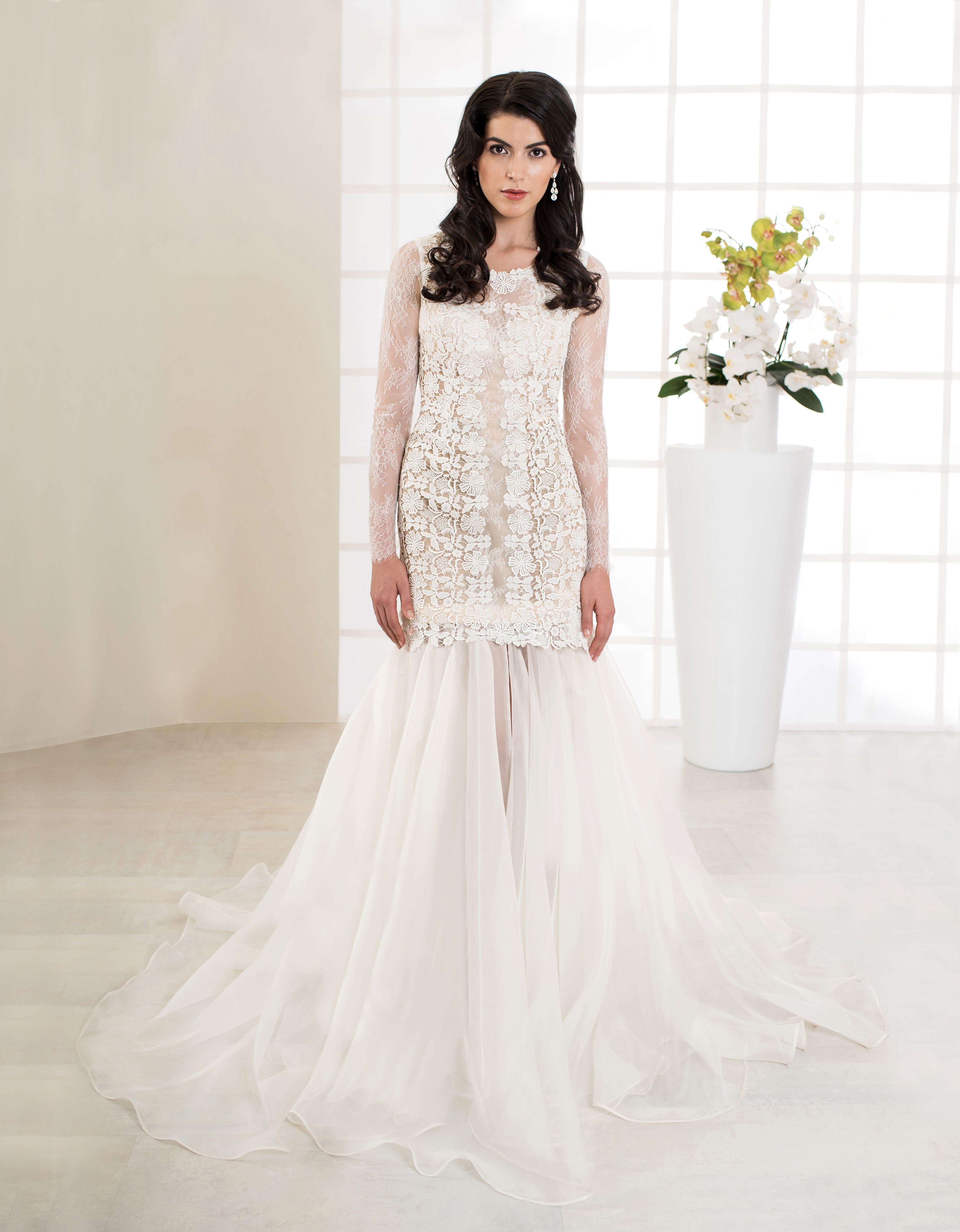 Brautkleid Jolanda: Aufwendiges Brautkleid aus feinster Makramé ...