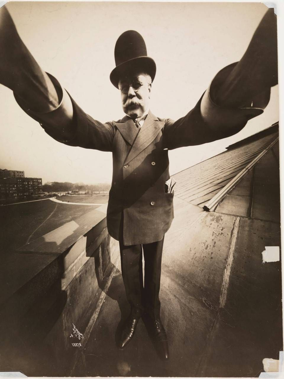 The First Selfie Ever. Selfies On Other Planets. These Pics Are All Historic - ALLDAY