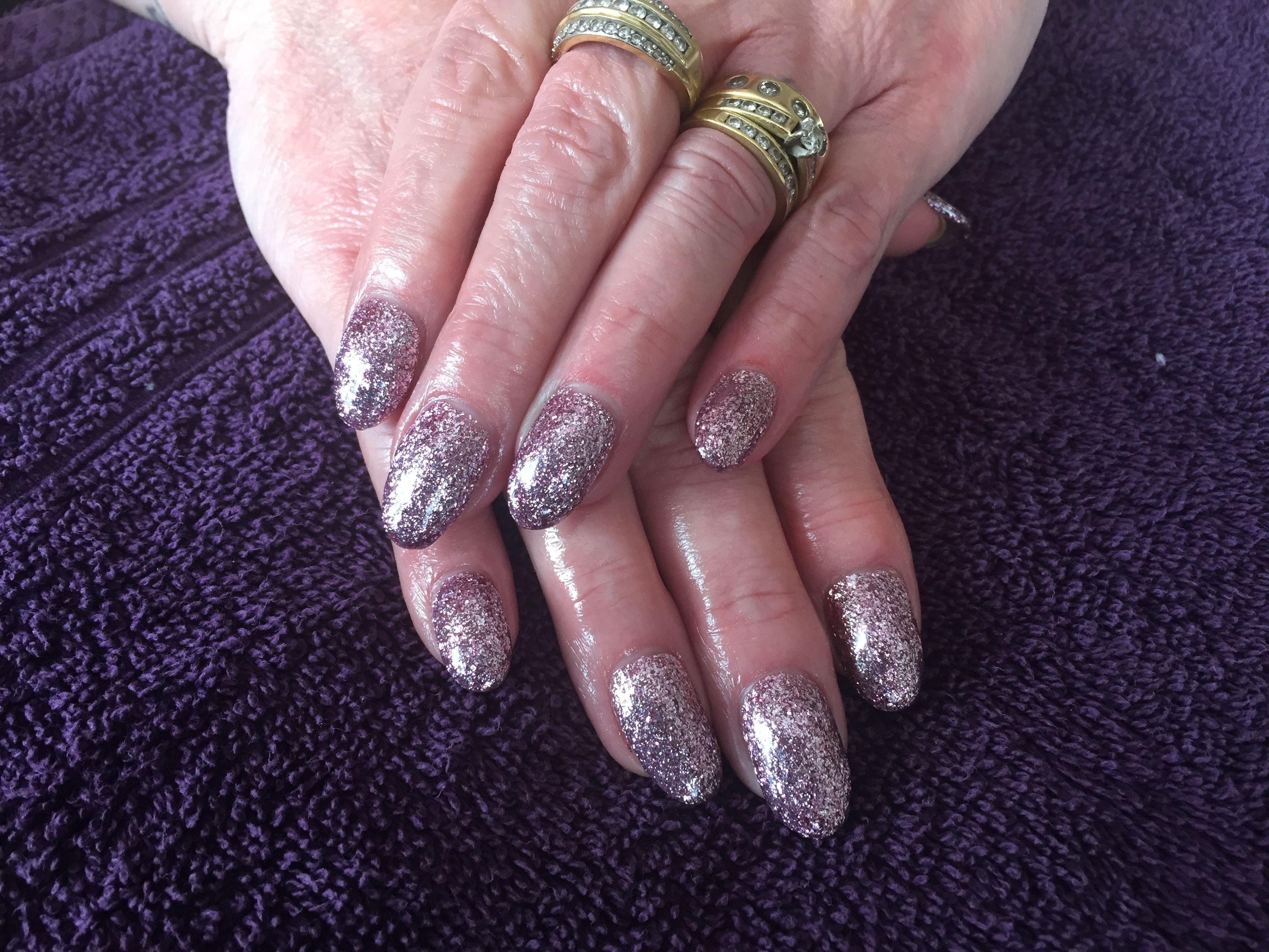 Acrylics. Round nails. Halo polish. Glitter. Pink diamond.   Nails ...