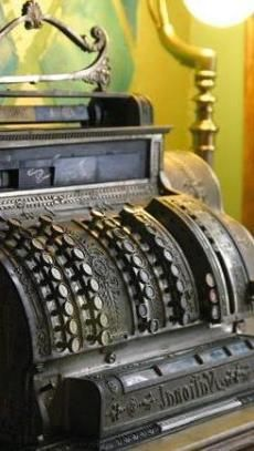 Biuro rachunkowe - stara maszyna do liczenia. Takie perełki rzadko można zobaczyć!