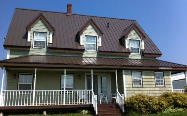 Macphee 39 S Metal Roofing And Vinyl Siding Photo Gallery House Siding Vinyl Siding Metal Roof