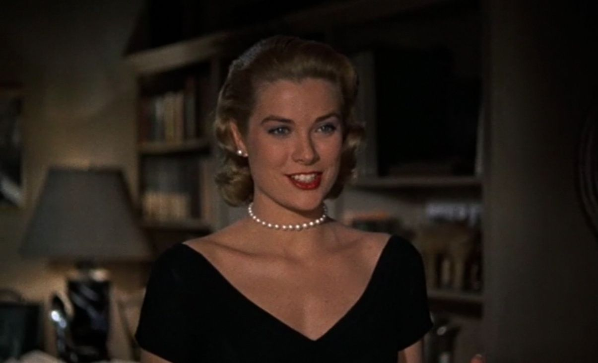 grace kelly in rear window wearing a pearl choker note the grace kelly in rear window 1954 wearing a pearl choker note the deacutecolletage