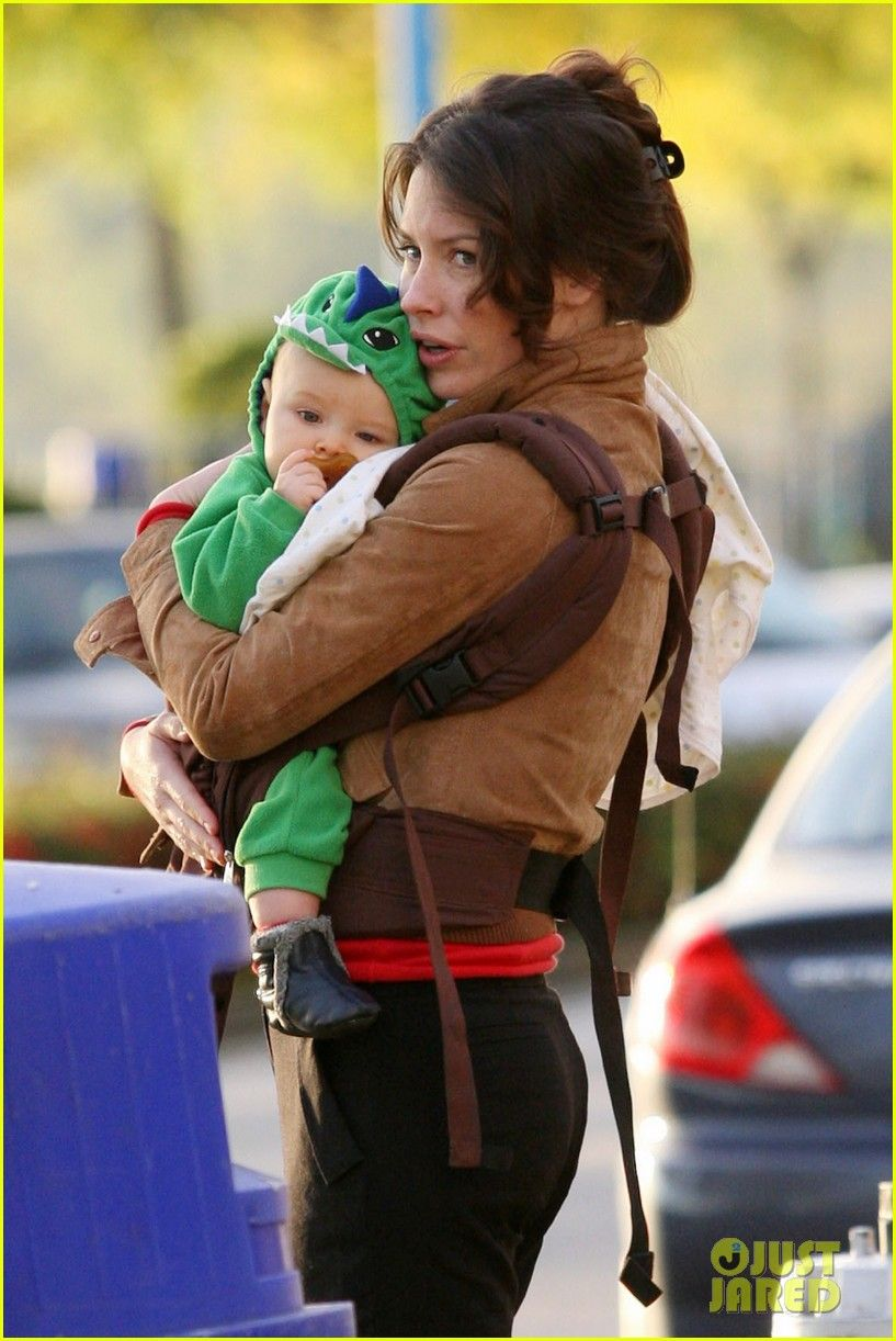 Evangeline Lilly & Son: Out in Vancouver! | Evangeline lilly, Rubber  pacifier, Evangeline