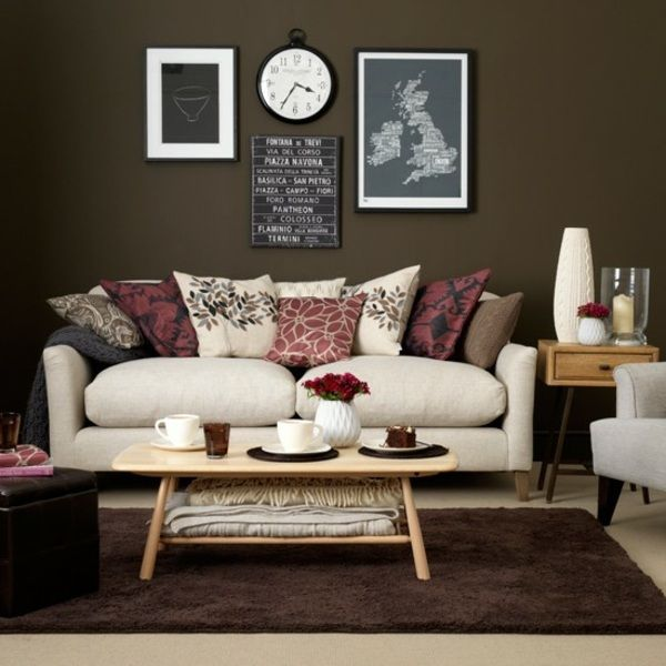 wohnzimmer braun wei sofa deko kissen rosa rot farbe. Black Bedroom Furniture Sets. Home Design Ideas