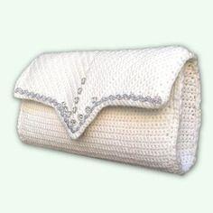 Elegante pochette bianca decorata con perle