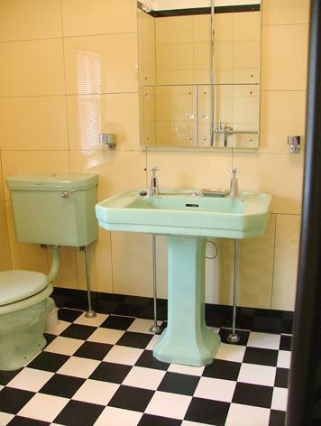 Vintage Colored Tile Bath With Vitrolite Pale Green Suite Er Yellow Wall And B W Checked Floor