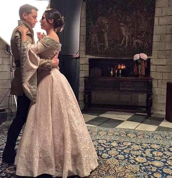 This is probably one of the best moment in ouat for me. If it were not for Snow or Robin...... I'd ship them.