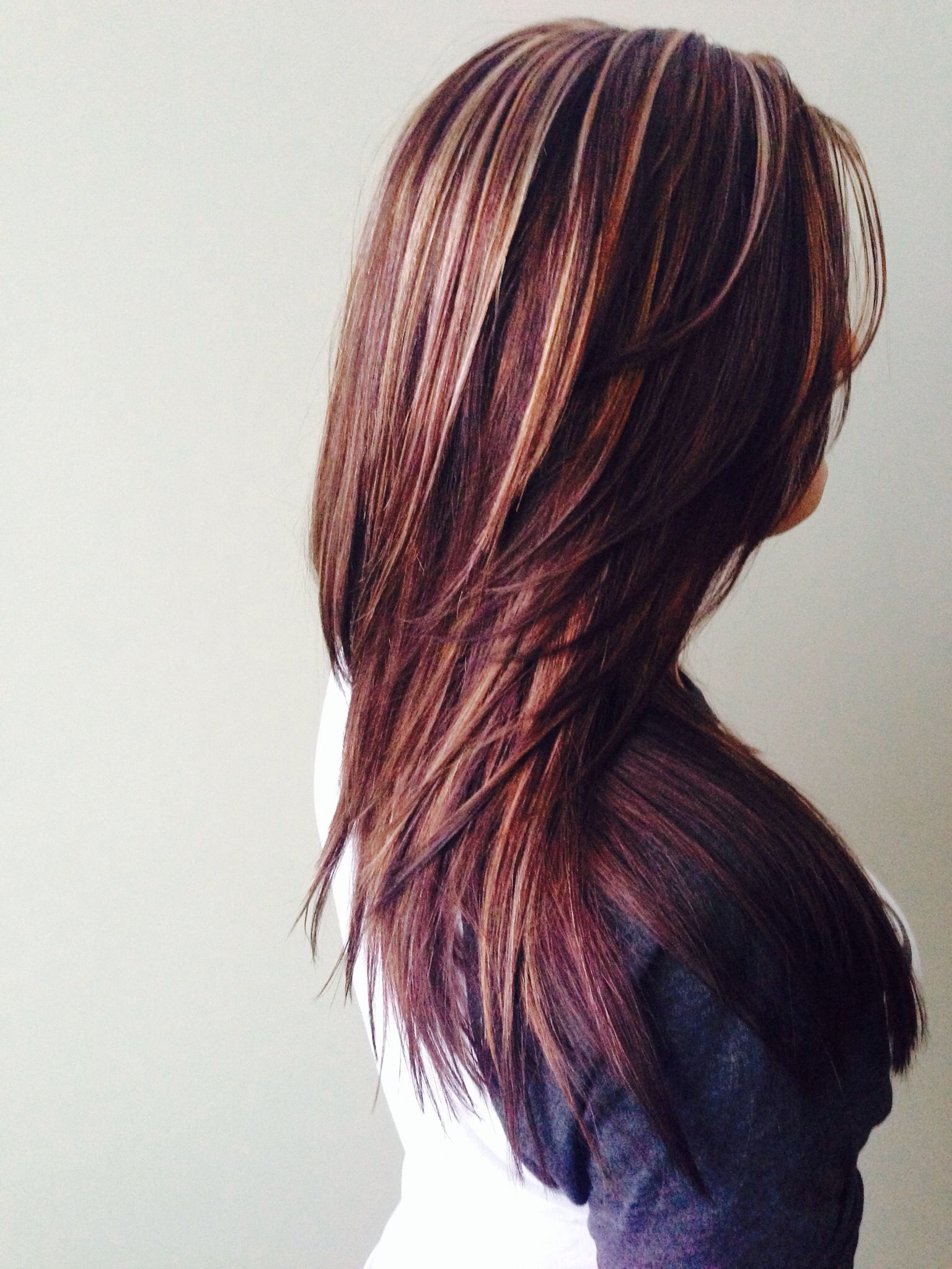Dark Brown Color With Blonde And Caramel Highlights Layers And Texturizing Maroon Hair Hair Color Burgundy Burgundy Hair