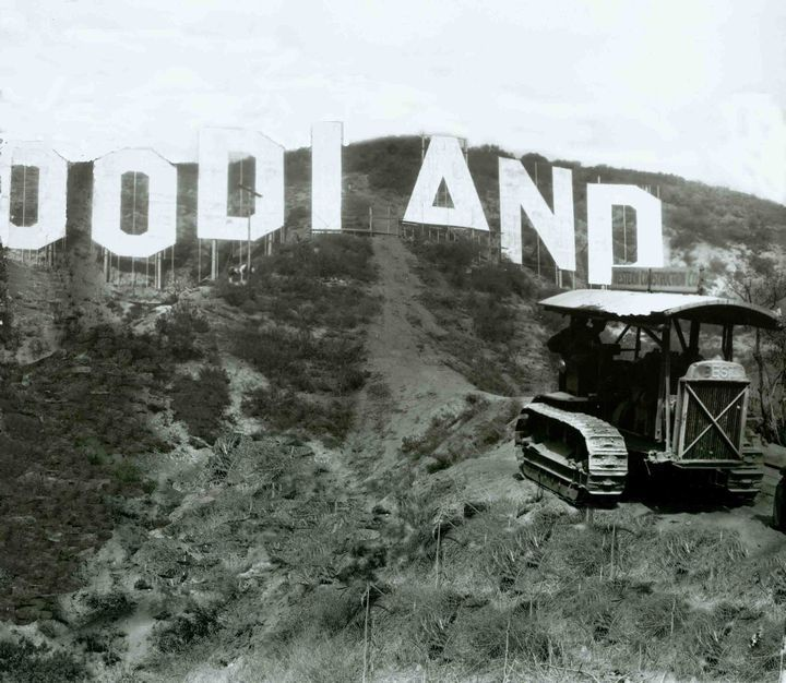 Historic Photograph Of Construction Of The Hollywoodland Sign Hollywood Sign Los Angeles Architecture Los Angeles History