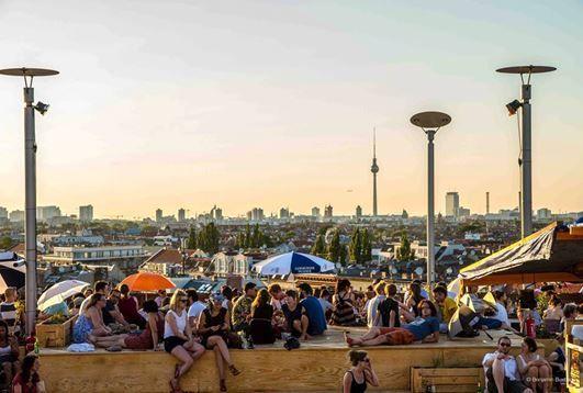 Klunkerkranich - Bar auf dem Dach eines Shoppingcenters mit Urban Gardening, Pizza und toller Aussicht