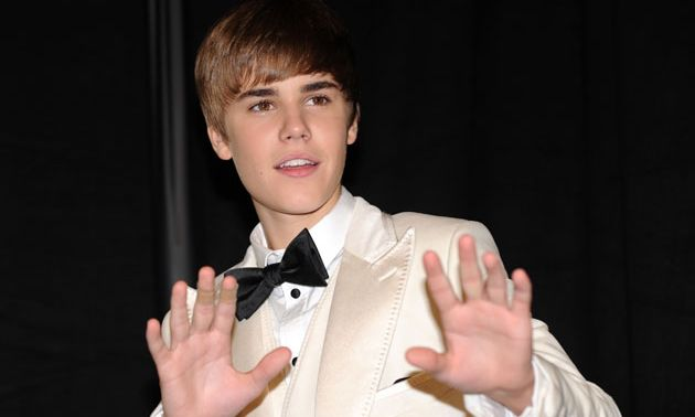 """Jakarta -Justin Bieber Statement about Indonesia - Justin Bieber finally spoke about his statement and his manager, Scooter Braun, about recording the song """"Be Alright"""" in Indonesia."""