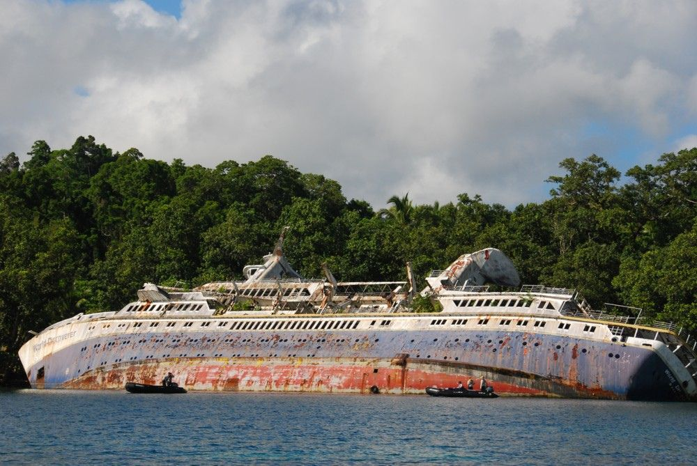 MV World Discoverer, Roderick Bay, Ngella, Solomon Islands (With ...