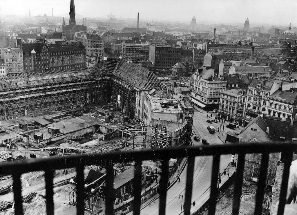 Abriss 1937 Blick Vom Alten Stadthaus Am Molkenmarkt In Berlin Auf Die Baustelle Fur Den Neuen Gebaudekomplex Der Mun Welthauptstadt Germania Hauptstadt Berlin