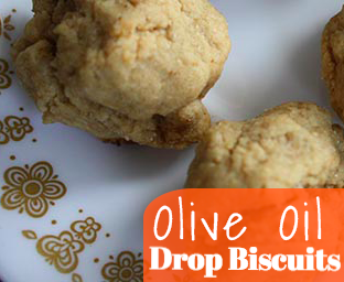 Olive Oil Drop Biscuits - These olive oil drop biscuits are so easy to make, and a great side to go with soup or salad for a simple supper.