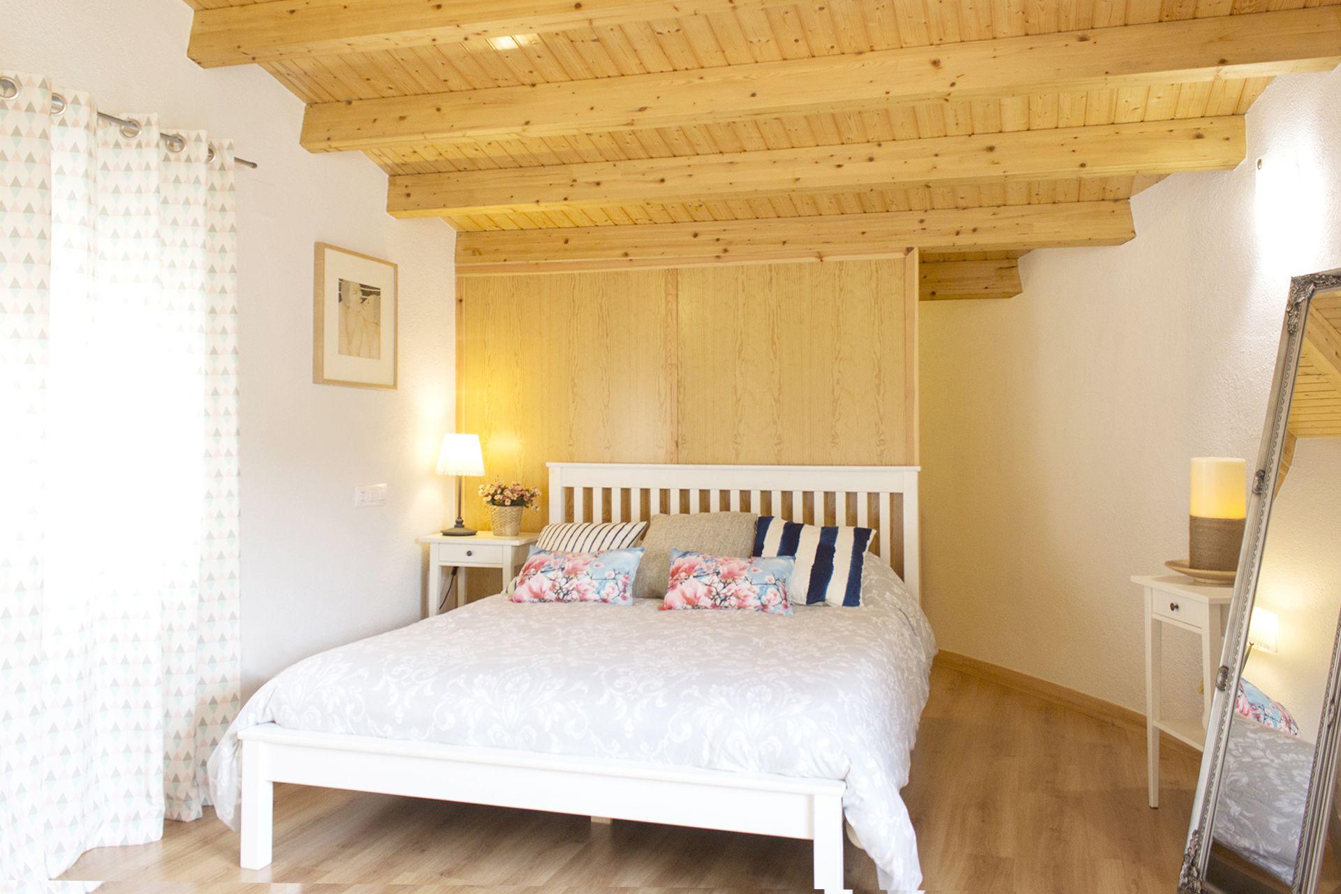 SORIA, VINUESA. Casa Rural El Casillo De Vinuesa. 5 Habitaciones. Es Una  Casa Amplia Y Bien Equipada, Capacidad Para 15 Personas. Cuenta Con 5  Dormitorios, ...