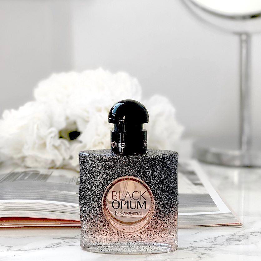 Pin By Dorsa On S C E N T Luxury Perfume Perfume Fragrance Photography