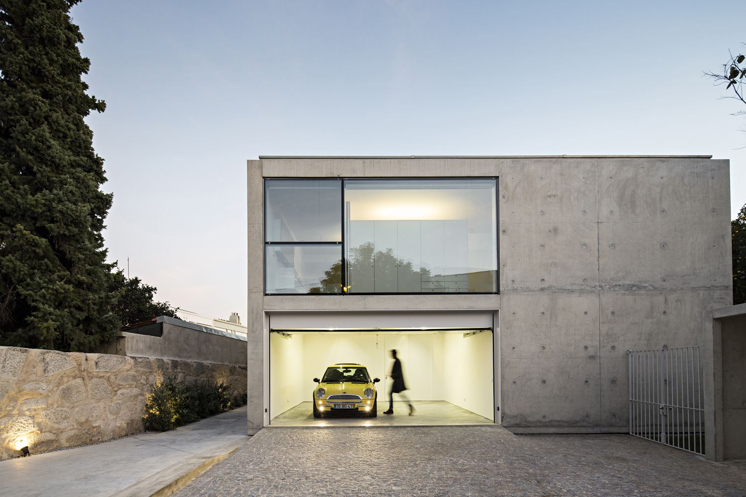 Image 1 Of 32 From Gallery Of House In Oporto Serralves Joao Vieira De Campos Photograph By Concrete House Minimalist Architecture Minimalist House Design