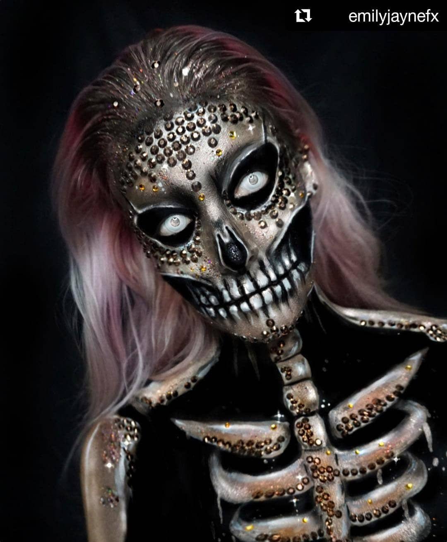 Dark Skull 🖤💀 Halloween Makeup, Body Painting Art Idea