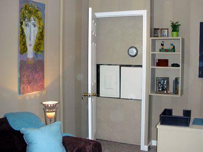 fabriquer une armoire lectrique et cacher un tableau. Black Bedroom Furniture Sets. Home Design Ideas