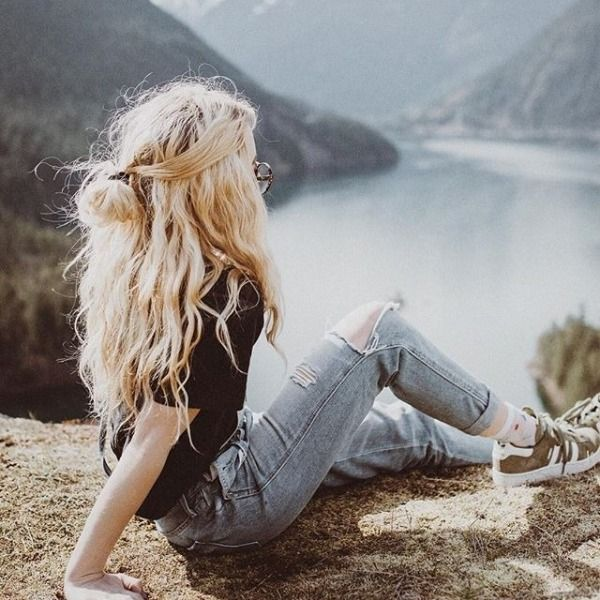 Le reve, autant les cheveux que le paysage.