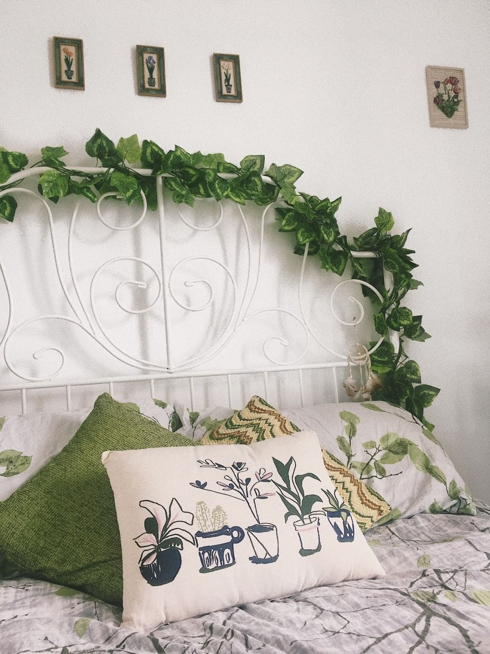 a green and natural  bedroom  With images Aesthetic  bedroom