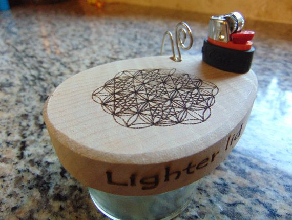Flower of life Lighter lid, a jar that keeps your lighter and metal pipe cleaner together