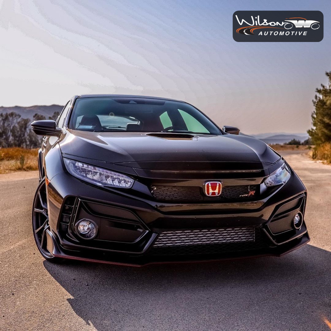 If we didn't know any better, we'd say the Honda Civic #TypeR is posing in this picture. 😂😍 Visit our @freewayhonda dealership to get deals on this and other fantastic Honda models. #WilsonAutomotive #Honda #HondaCars #HondaUSA #anaheim #orangecounty #oc #honda #hondafest #hondas #hondaclub #hondaday #hondaculture #hondalife