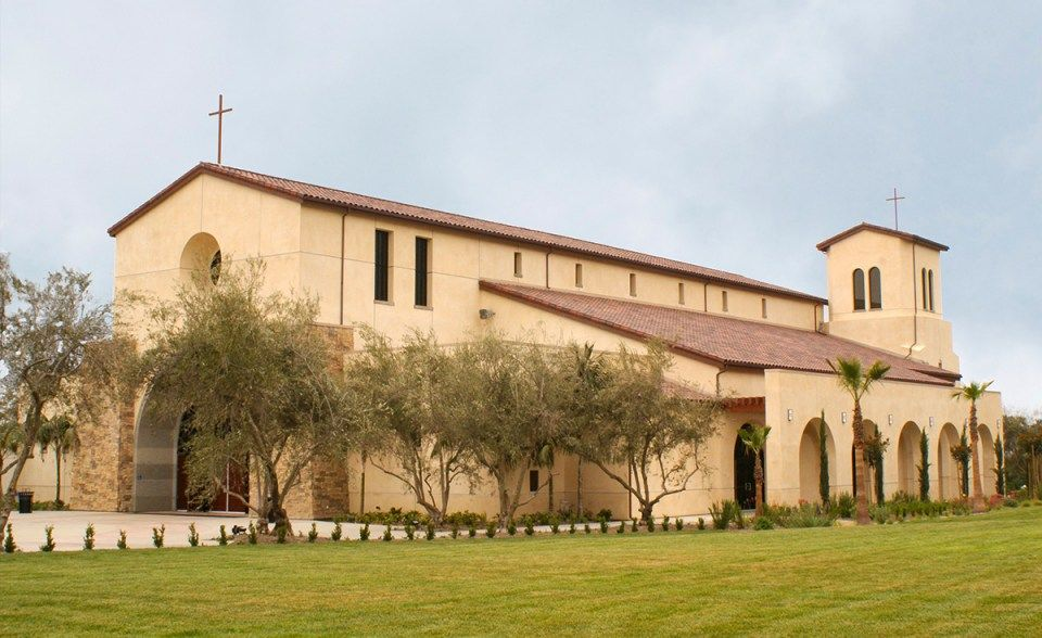 One Piece S Mission Clay Roof Tile In B330 R Old Santa Barbara Blend With Two Piece Eave Line On Holy Trinity Catholic Churc Clay Roofs Clay Roof Tiles Mission