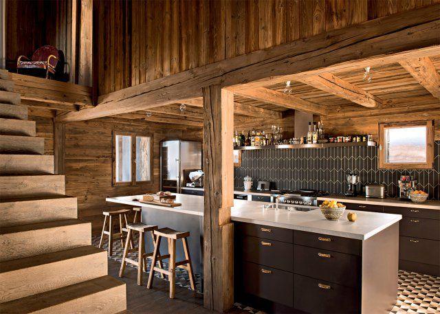 Une cuisine en bois pour une ambiance chalet de montagne Swiss