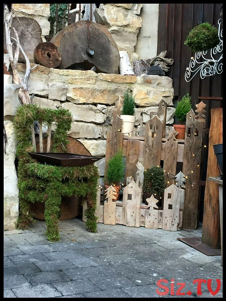 #Winterdeko #BalkonundGarten #Paletten #Hauseingang #Weihnachtsdeko,  #BalkonundGarten #hause... #weihnachtsdekohauseingangaussen