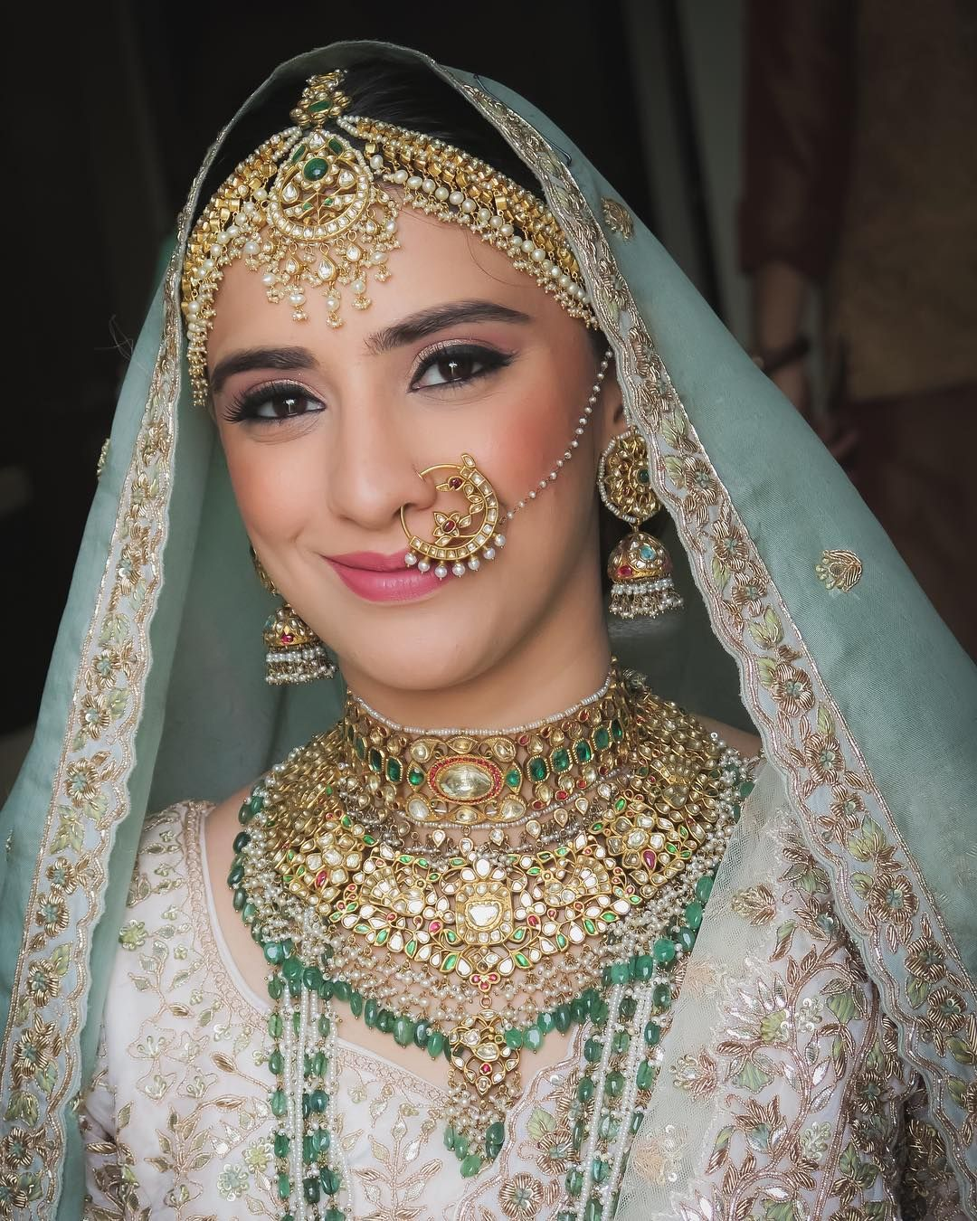 Makeup Artist Sejal (makeoversbysejal) • Instagram photos