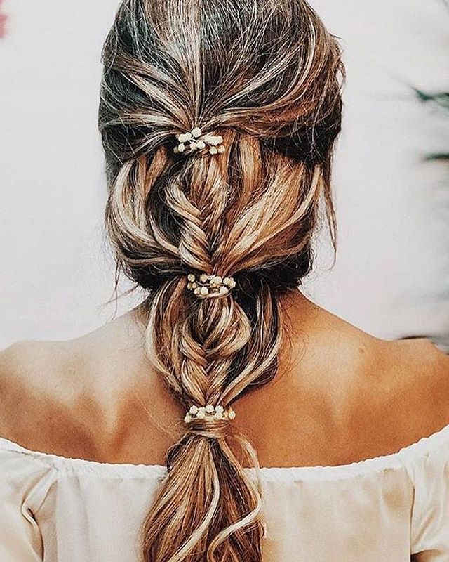 This braid Wedding hairstyle is perfect for bohemian romance affair #wedding #weddinghair #braids