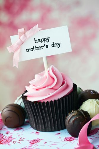Pin By Duncan Hines On Mother S Day Mothers Day Cupcakes Mothers Day Cake Mothers Day