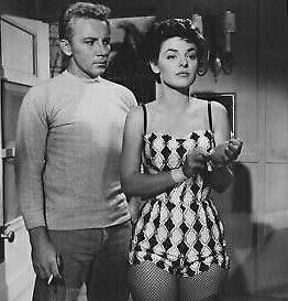 Cameron Mitchell With Anne Bancroft In Gorilla At Large 1954 Cine