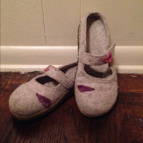 Cute Birkenstock style felt clogs Handmade Birkenstock style felt clogs with felt leaf accents Shoes Mules & Clogs