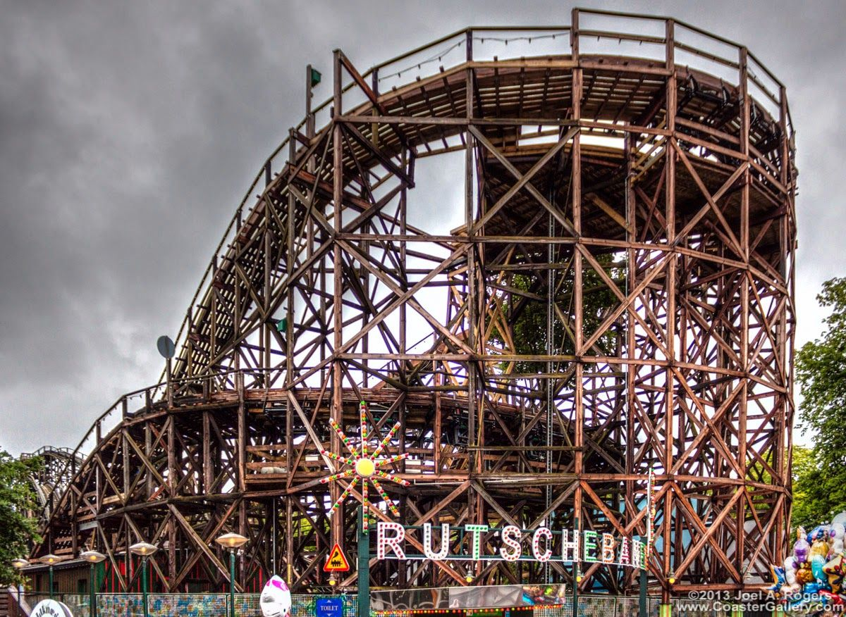 Amusement Attraction Rutschebanen Pov Classic Wooden Roller Coaster