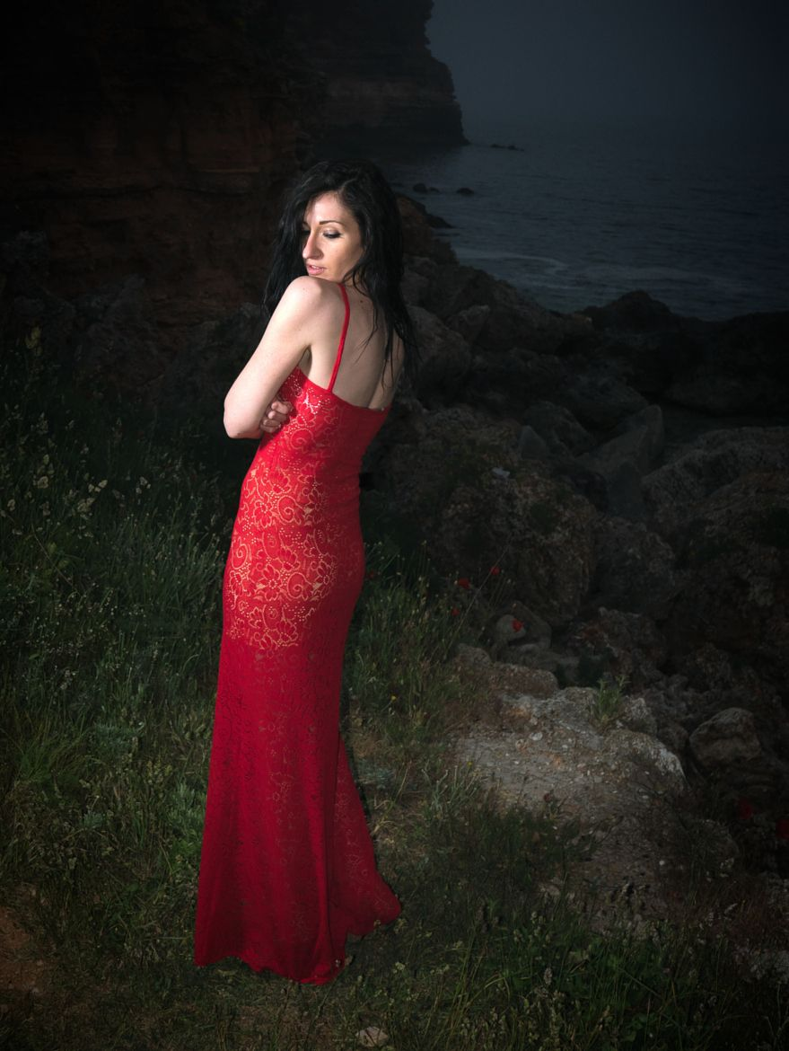 Photograph Red dress by Boris Zhelev on 500px