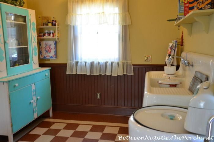 Inside The Kitchen Of A Christmas Story Movie House Christmas Story Movie A Christmas Story Vintage Interiors