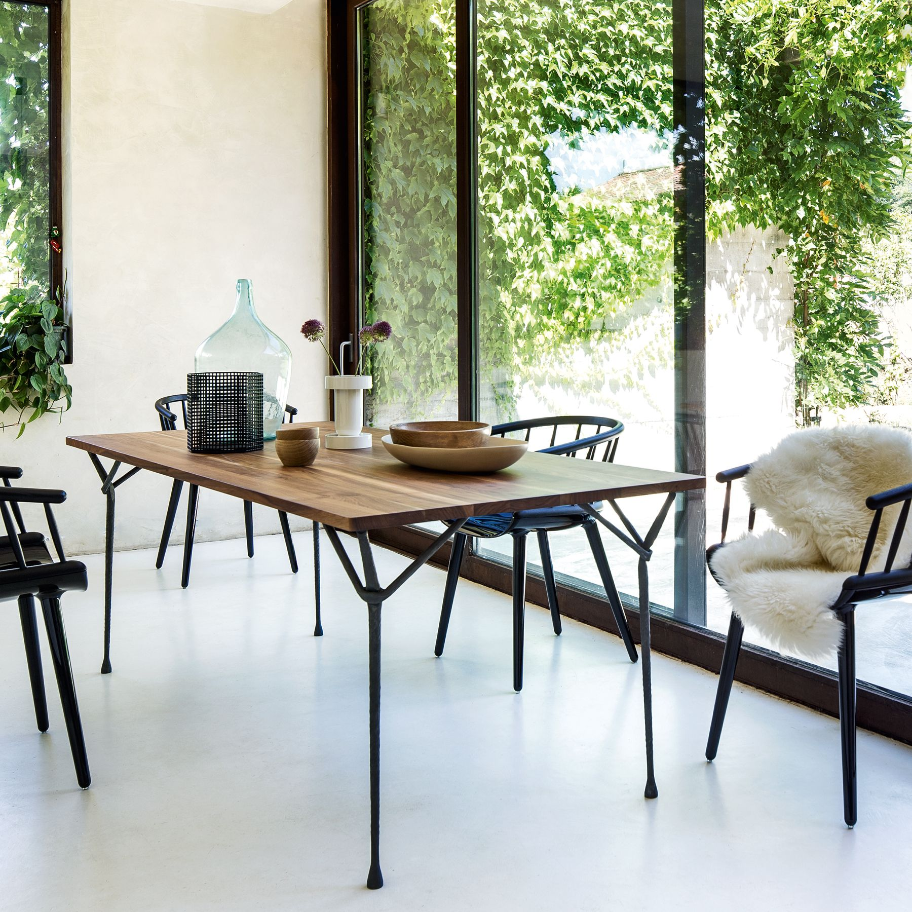 Moderner Landhausstil Im Esszimmer? Mit Alten Schmuckstücken, Natürlichen  Materialien Und Sinnlichen Oberflächen Schaffen Sie. U0027