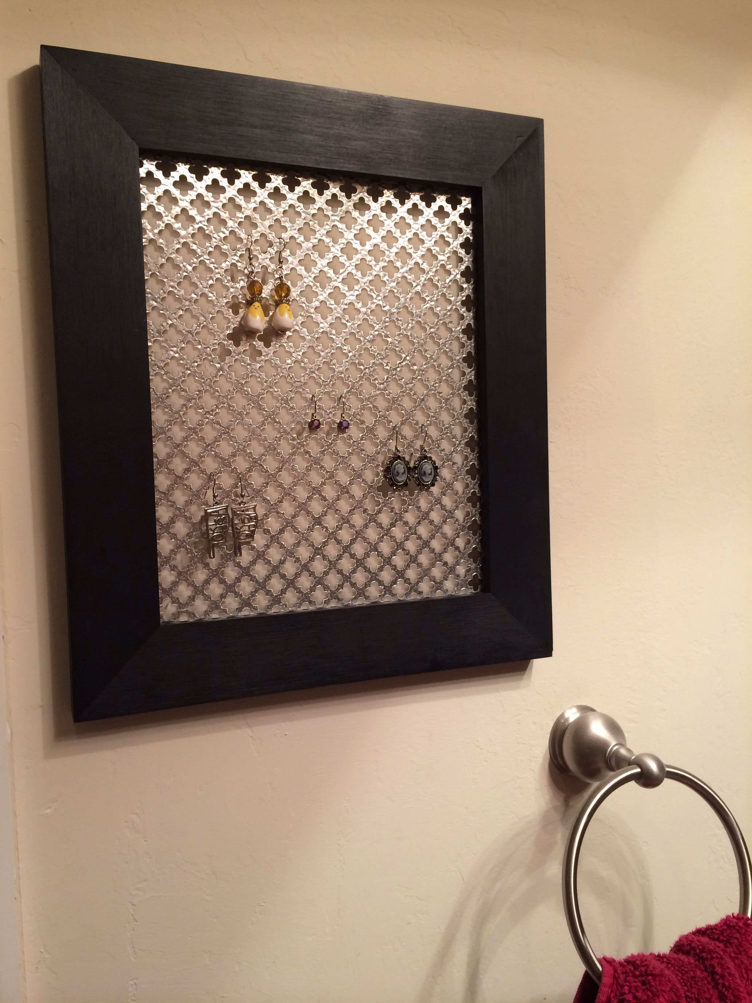 Earring Holder Out Of A Clearance Frame And Radiator Cover