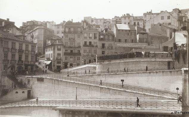 Rampa da estação do Rossio, Lisboa (E.Portugal, s.d.)