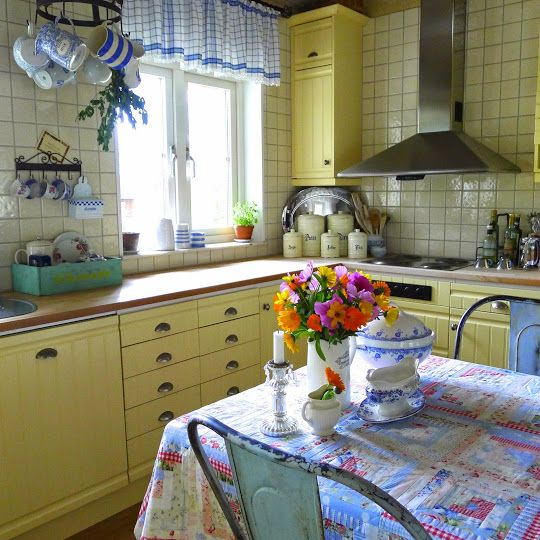 Hahka Happy Cottage Kitchen: Pretty Vintage Kitchen With Sunny Yellow Cupboards And A