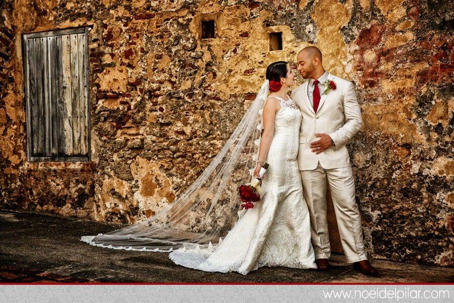 Pin By Iris Saldana On When I Say I Do Spanish Themed Weddings Spanish Wedding Arabian Nights Wedding