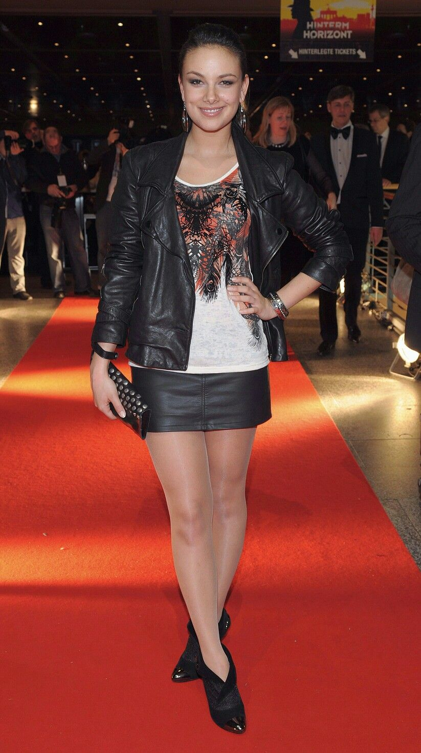 Janina Uhse in tights / pantyhose   paqntyhose   Pinterest