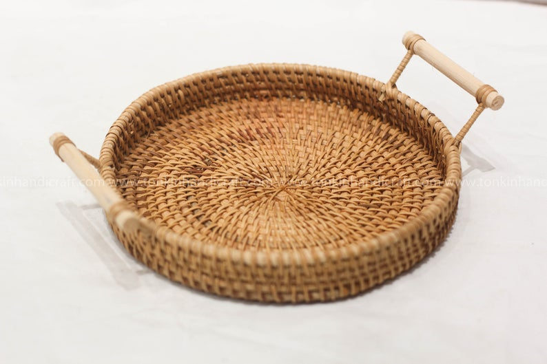 Handmade Rattan Round Fruit Basket With Wooden Handle Serving Etsy In 2020 Woven Baskets Storage Seagrass Storage Baskets Wicker Baskets Storage