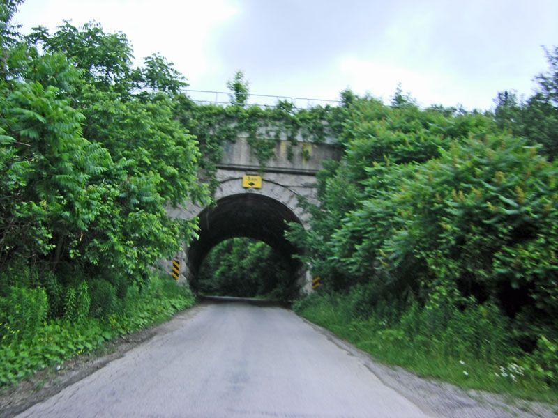 Hamilton Conservation Area. Weirs Lane Scenic roads