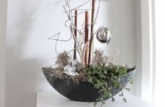 Td85 Edle Deko Fur Tisch Sideboard Oder Fenster Dunkelgraue Kunststoffschale Bepflanzt Und Dekoriert Mit Materialien Aus D Elegant Decor Decor Home Crafts